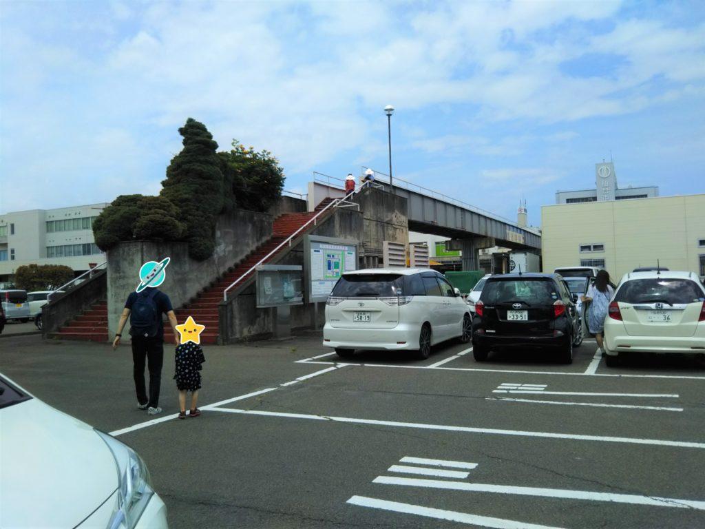 仙台市中央卸売市場食堂へ向かう階段